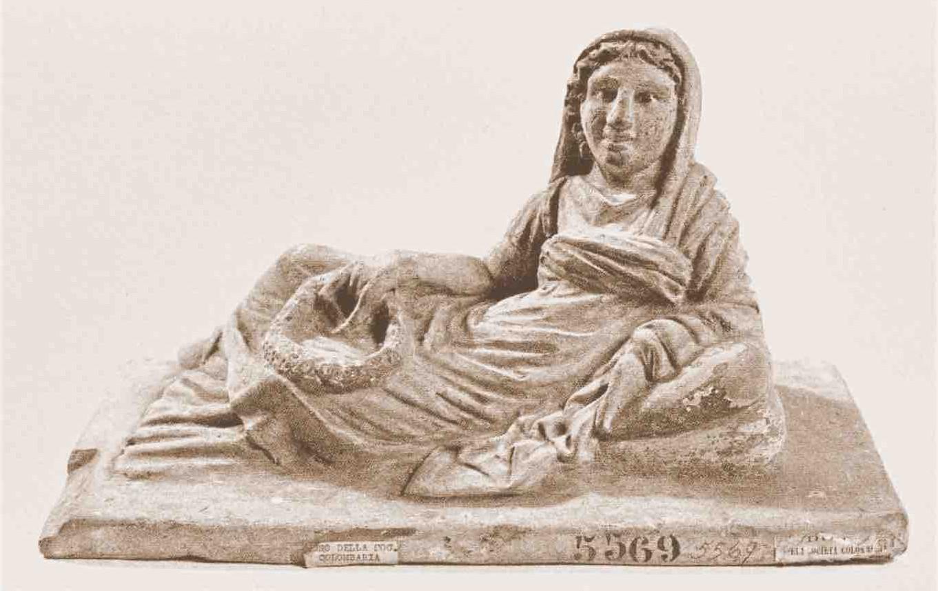 Coperchio di urna fittile da Pian dei Ponti  (Firenze, Museo Archeologico Nazionale, Inv. 5569)